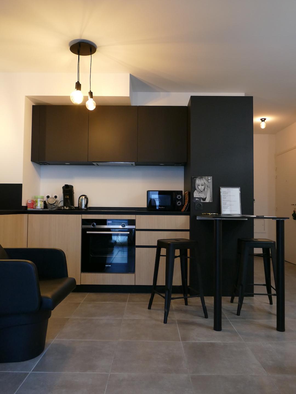 cuisine noir et bois